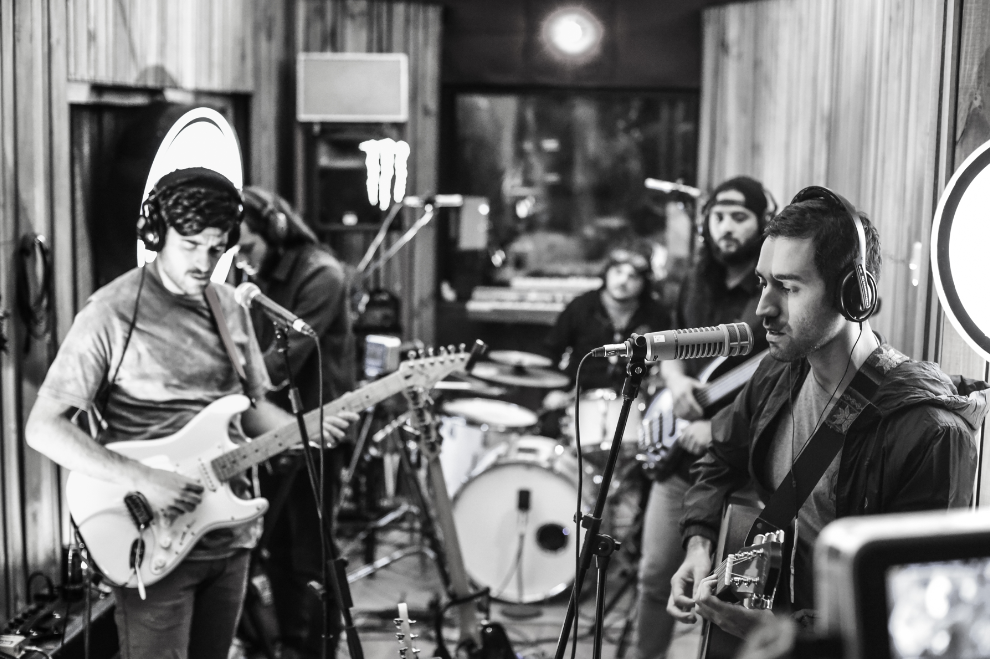 "Paisajes sonoros y progresivos mostró ""Inilia"" en la tercera jornada de Volcom Live Sessions en Santiago"